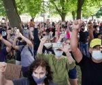 Séptima protesta diaria contra violencia policial en EU