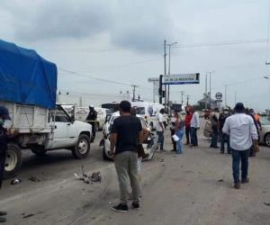 Se queda sin frenos pipa con combustible en Altamira