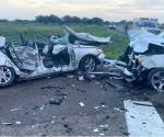 Fallecen dos niños en choque de autos