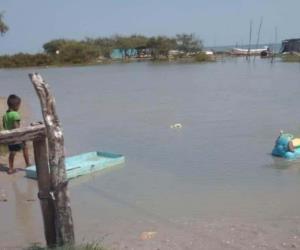 Pega marejada a Higuerillas, el Mezquital y Laguna Madre