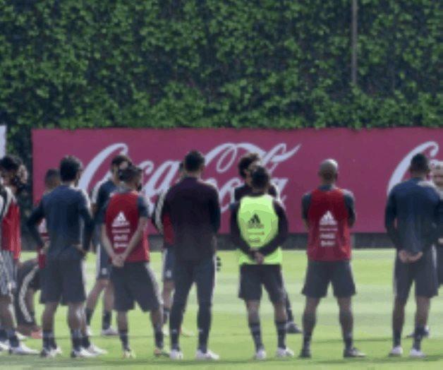 Patrocinadores presionan para que la Selección juegue sí o sí