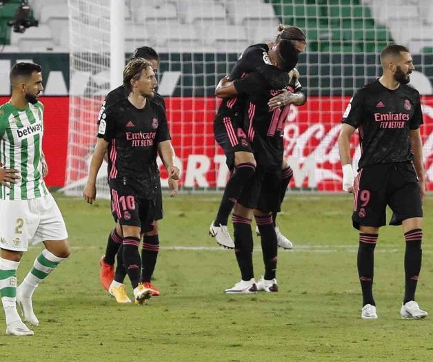 Salva VAR al Real Madrid; vence de visita 2-3 al Betis