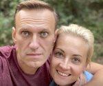 Merkel visitó al opositor ruso Navalny en el hospital