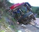 Accidente de autobús deja saldo de 13 muertos