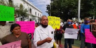 Amenazan vecinos con cerrar carretera en demanda de agua, en Victoria